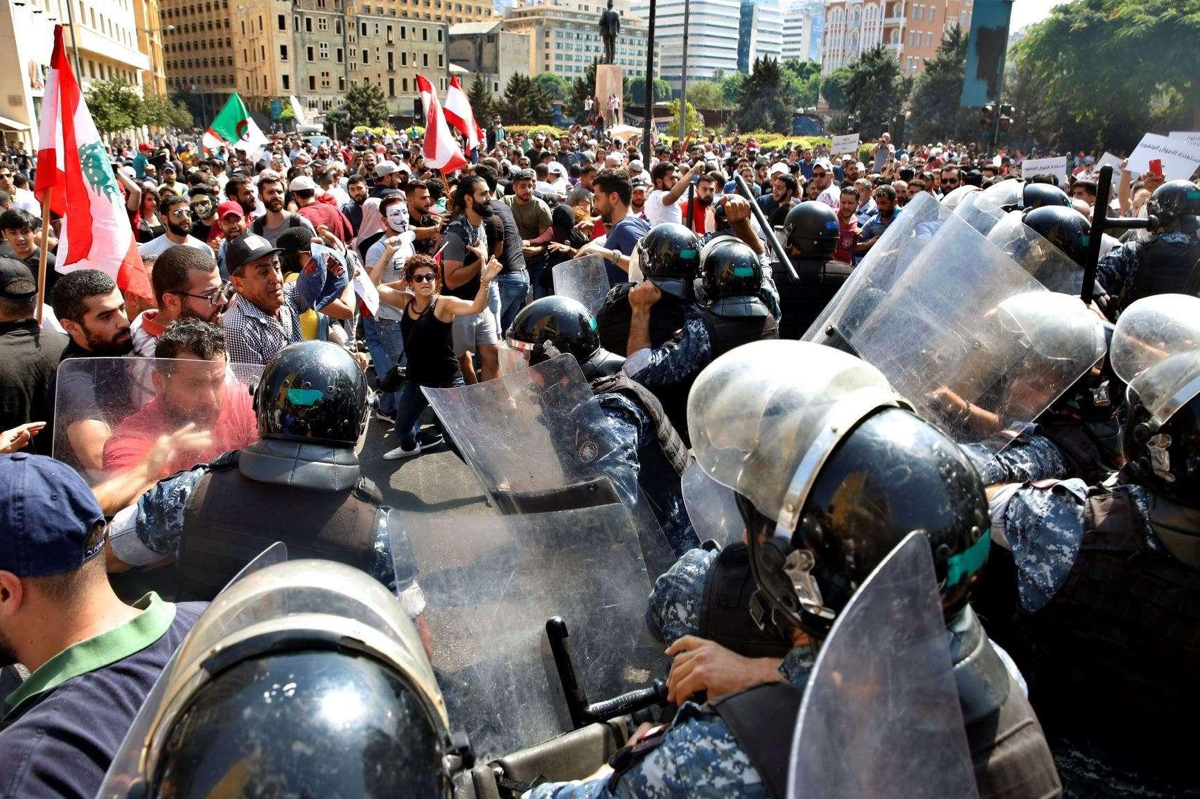 لبنان: التعامل الأمني مع الاحتجاجات خرق واضح لمعايير حقوق الإنسان