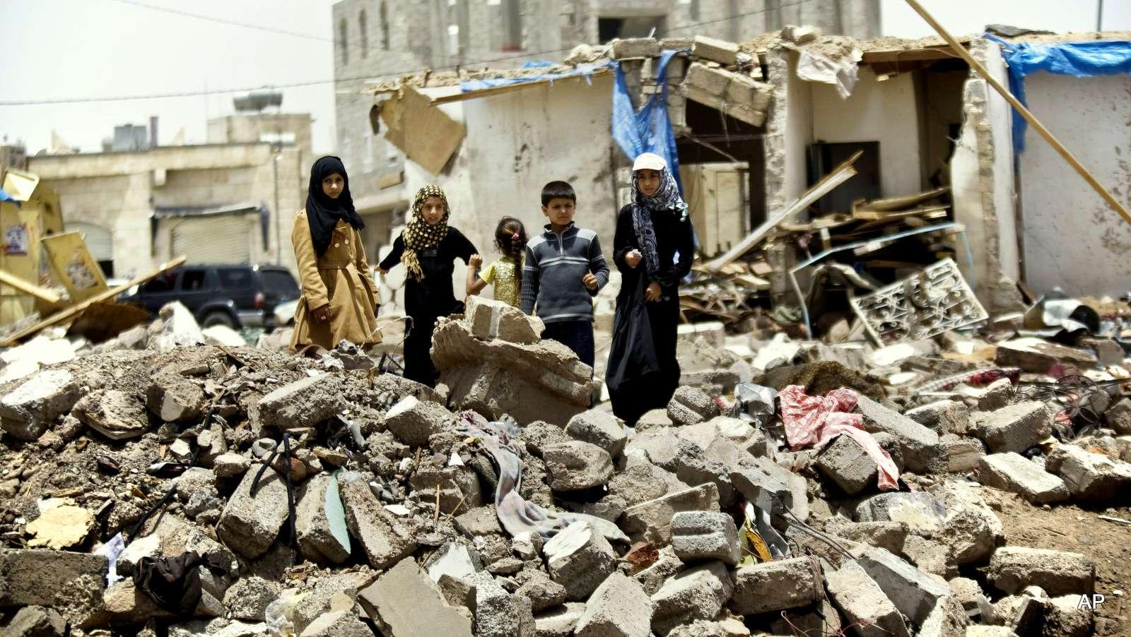 عقب مقتل 4 أطفال بغارة أمس.. الأورومتوسطي يدعو لإعادة إدراج التحالف السعودي والإماراتي في تقرير الأمم المتحدة السنوي عن قتل الأطفال والنزاع المسلح