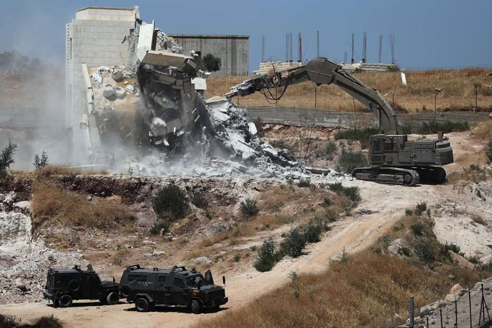 الأورومتوسطي يخاطب جهات أممية عقب هدم إسرائيل عشرات الأبنية السكنية جنوب القدس