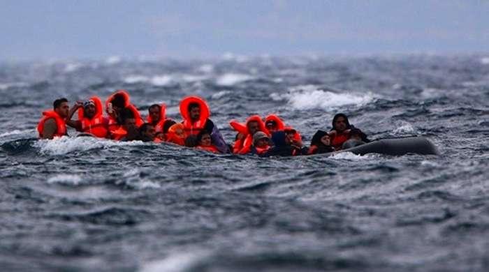 الأورومتوسطي: غرق قارب مهاجرين قبالة سواحل الخمس الليبية وفقدان العشرات