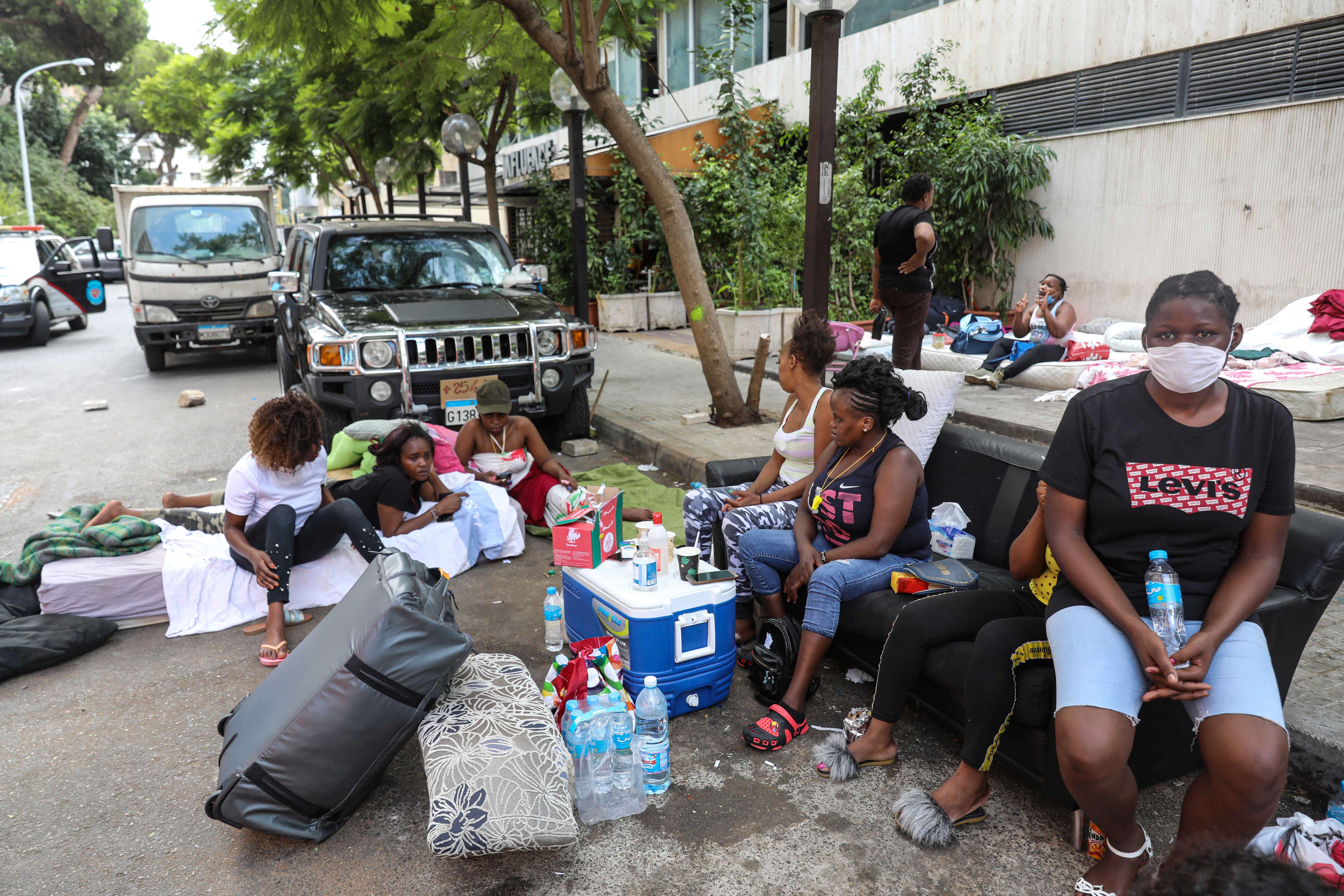 لبنان: قصور القوانين يعصف بعاملات المنازل الأجنبيات في ظل أزمة كورونا