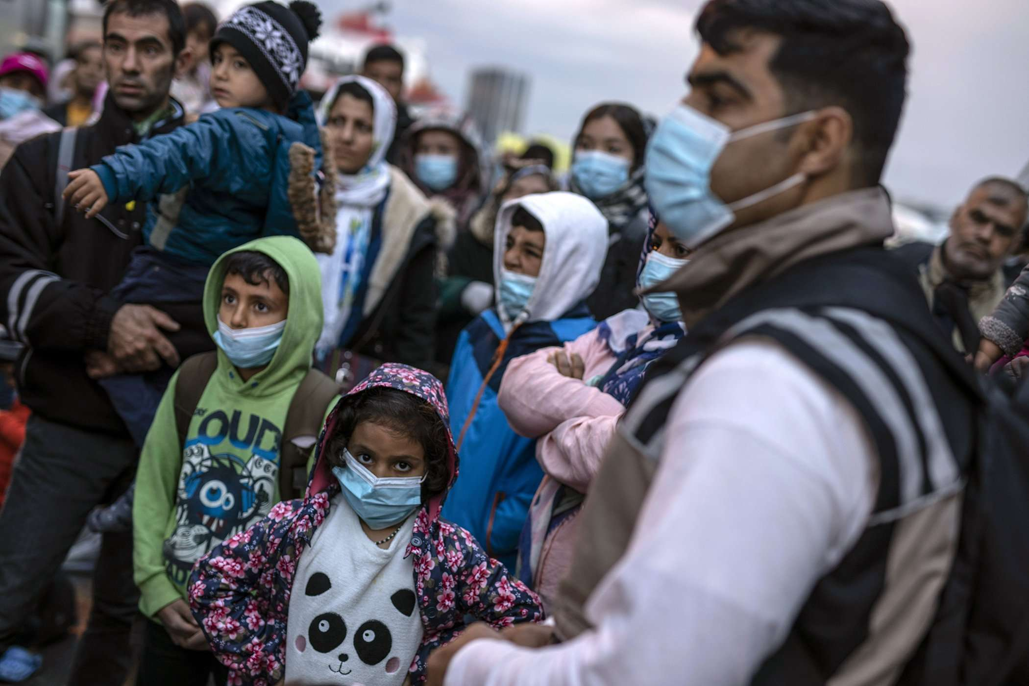 وزير الهجرة السويدي يؤكد للأورومتوسطي تعزيز تدابير حماية طالبي اللجوء في أزمة كورونا