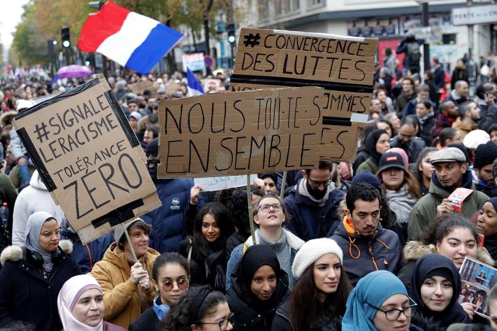 La rhétorique française sur l'Islam alimente la haine de l'extrême droite et met en danger les communautés musulmanes en Europe