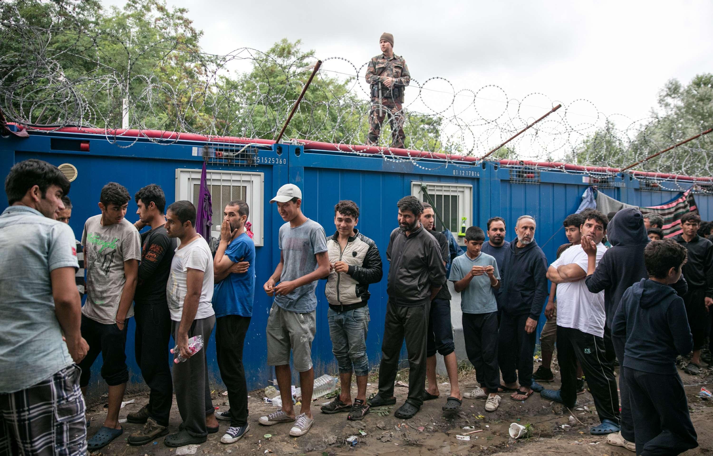 الأورومتوسطي يحذّر من استمرار المجر في سياسة تجويع طالبي اللجوء ويدعو الاتحاد الأوروبي لمحاسبتها