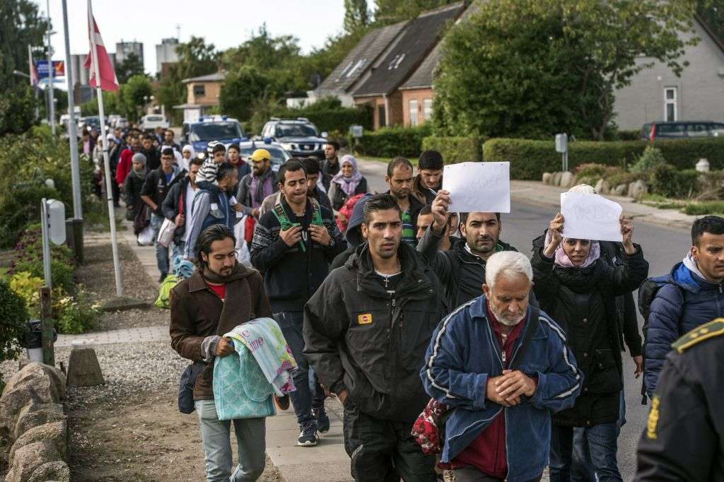Sweden Should Grant Temporary Citizenship Rights to Asylum Seekers