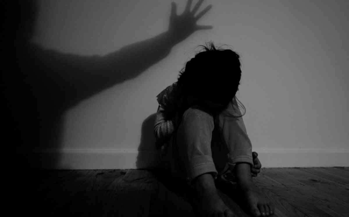 السعودية: ترحيل 4 شقيقات يمنيّات إلى والدهن المعنَّف في اليمن مقامرة خطيرة بمصيرهن