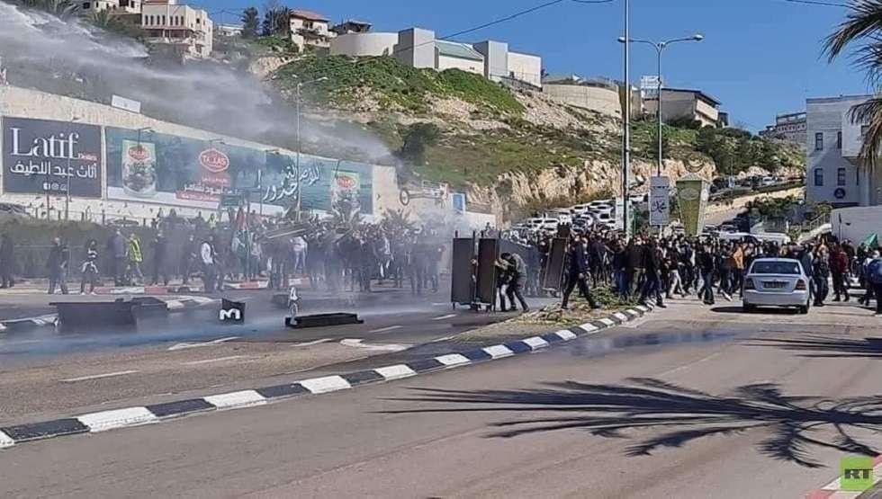 قمع الشرطة الإسرائيلية لاحتجاجات أم الفحم يشرعن جرائم القتل والعنف المتصاعد