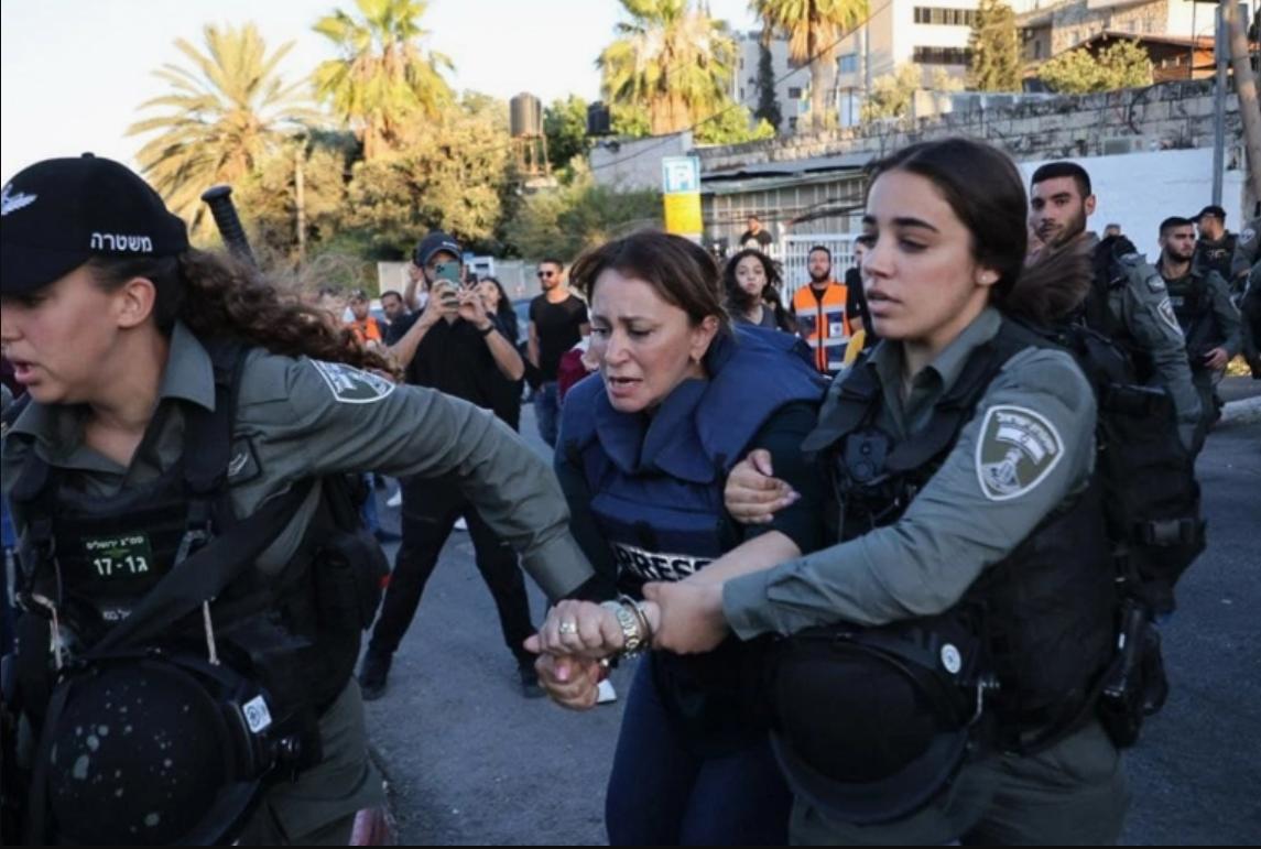 """الأورومتوسطي يدين اعتقال إسرائيل الصحفية """"جيفارا البديري"""" ويطالب بوقف انتهاكاتها لعمل الصحفيين الفلسطينيين"""