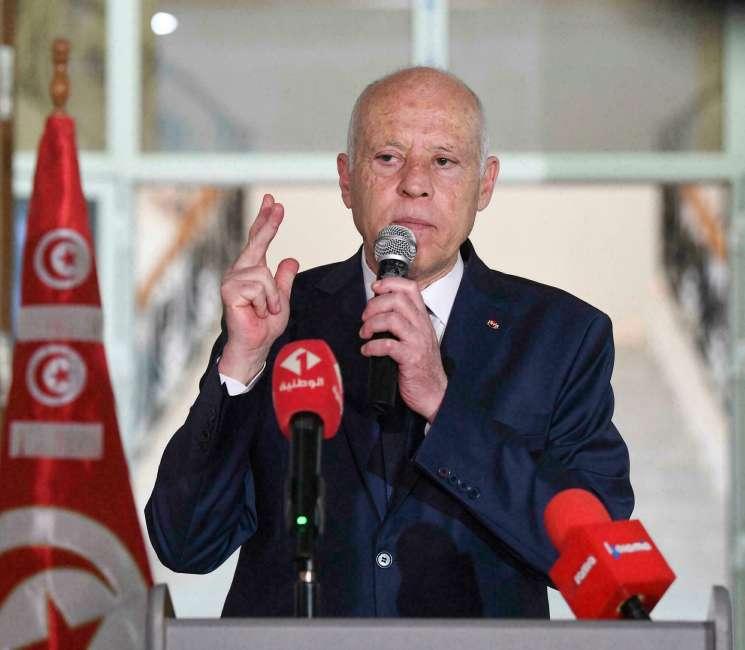 Nouveau rapport: Le régime unipersonnel en Tunisie, un recul pour les droits de l'homme et l'État de droit