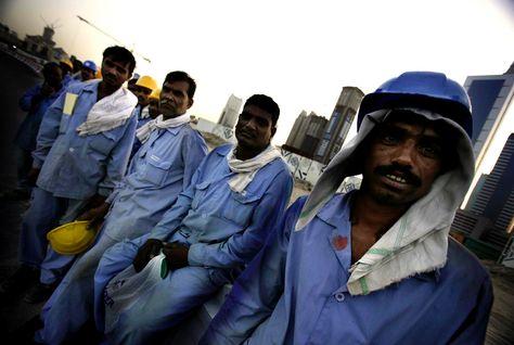 """الأورومتوسطي يطالب السعودية بتغيير """"نظام الكفيل"""" فورًا"""