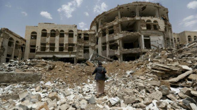 """تقوض الهدنة في اليمن ومقتل يمنيين جراء """"نيران صديقة"""""""