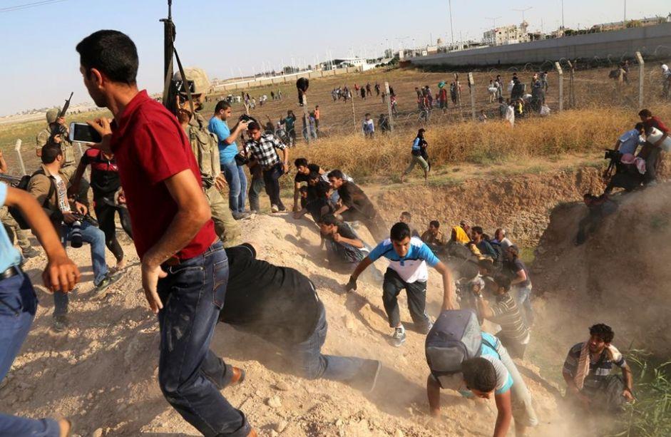 حرس الحدود التركي يقتل ويصيب طالبي لجوء