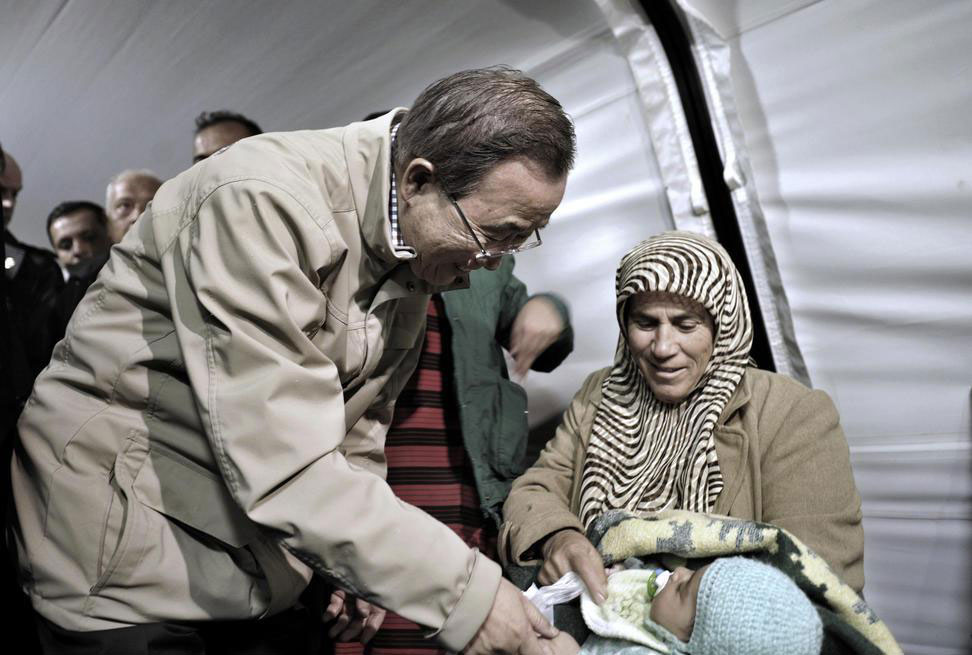On visit to refugee camps, Secretary-General renews call for stop to killings in Syria