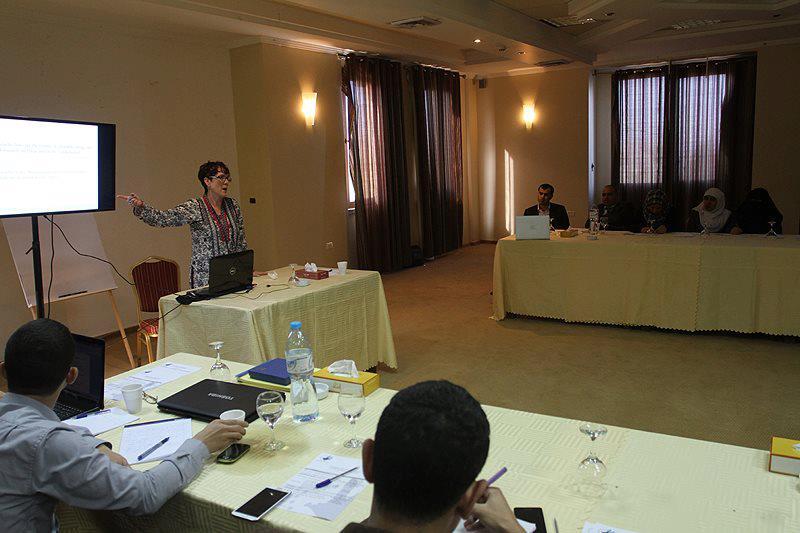 عقد ورشة بغزة حول تطوير صحافة حقوق الإنسان